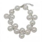 12823 Leona pearl bracelet