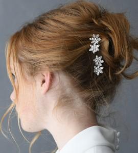 A-5654 A pair of rhinestone pins, each with two rhinestone flowers…………………… *Silver…………