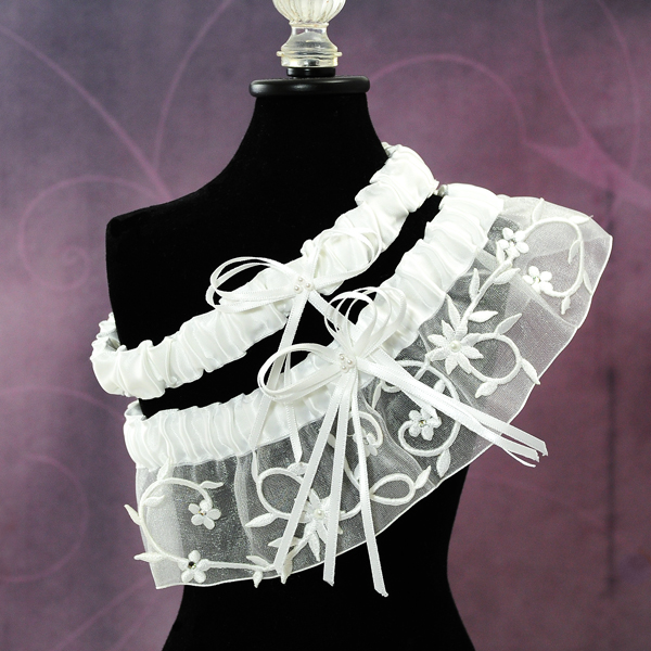 Couture Garters For Wedding: Sparkling Entwined Wedding Garter